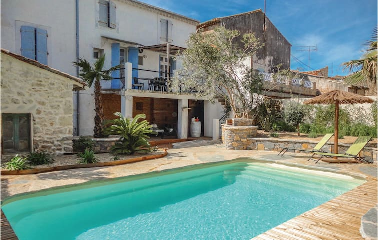 Terraced house with 5 bedrooms on 200m² in Puimisson