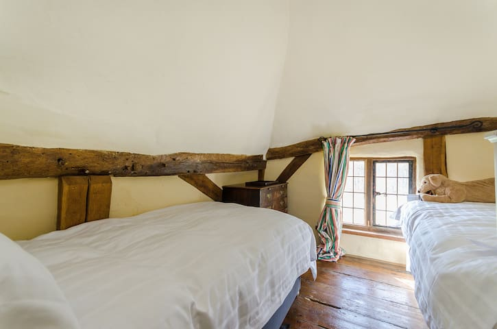 Thatched 15th Century cottage - Lincolnshire - House
