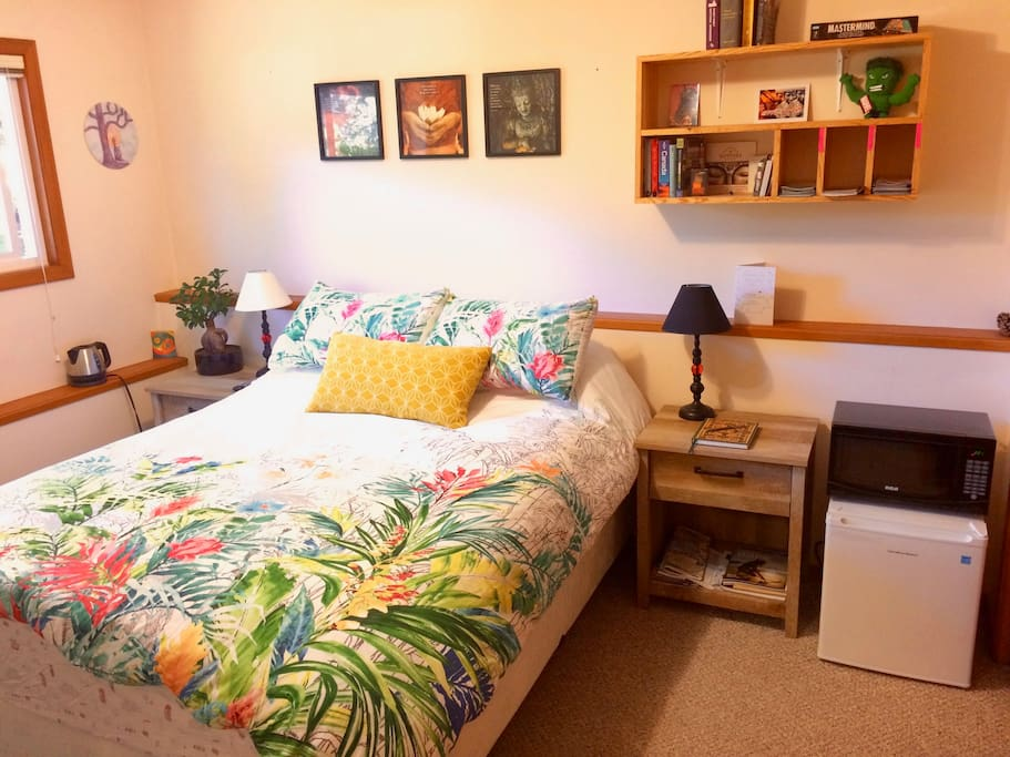 Enchanted Oaks Cozy Escape Winter Discounts Houses For Rent In Victoria British Columbia