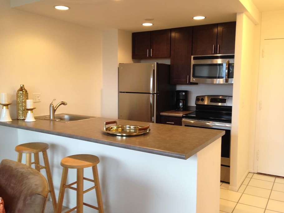 Full Size Kitchen with Stainless Steel Appliances