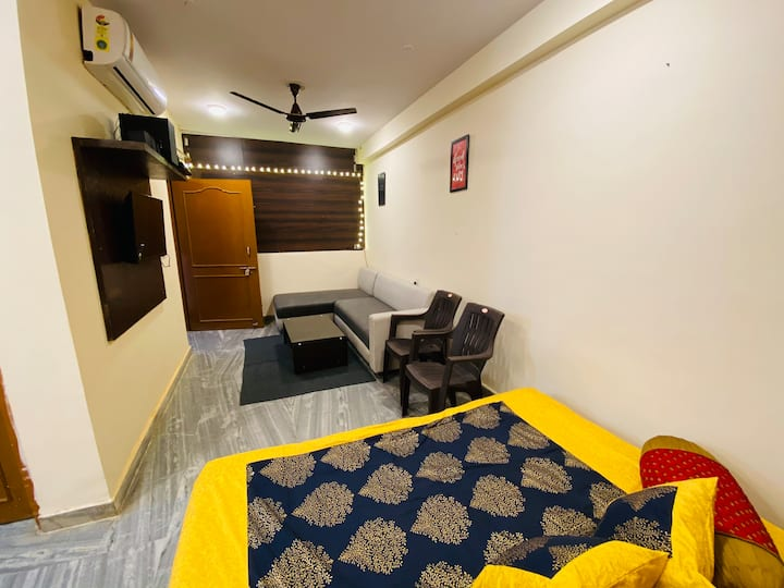 2BHK HOME LIKE STAY WITH FREE WIFI BY THE MAPLE'S