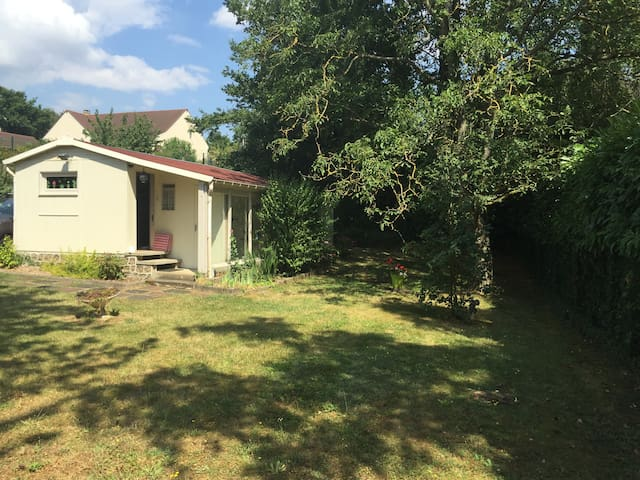 Charming lodge close to Giverny - Bennecourt - Bungalow