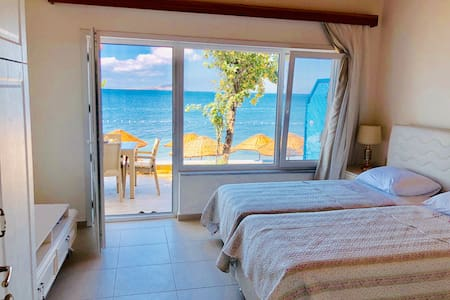 Cozy 2 room flat directly at the sea