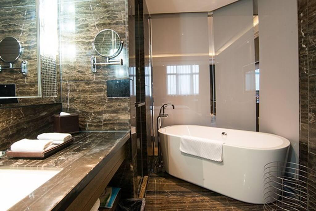 干湿分区,超大浴缸