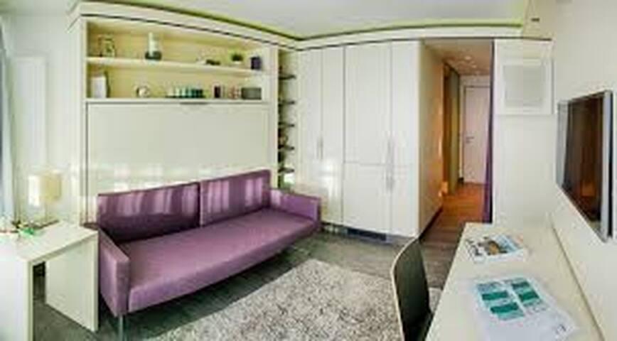 Super modernes Apartment direkt an der Isar! - München - Wohnung