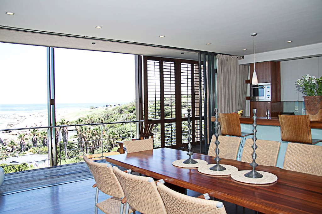 dining room View to ocean