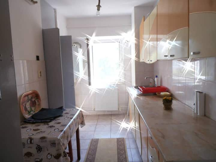Spacious flat/5min walk to the beach