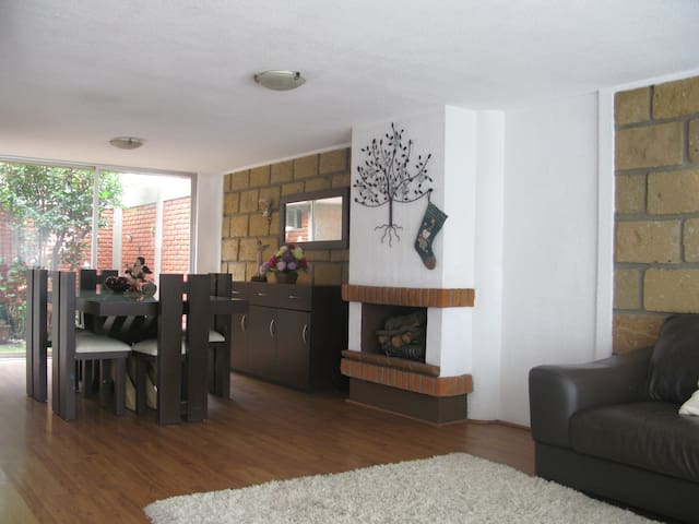 Excellent room in a private location - Toluca de Lerdo - House