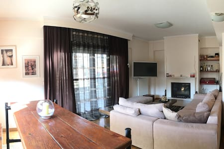 Luxurious cozy fireplace flat in Panorama - Saloniki - Apartament
