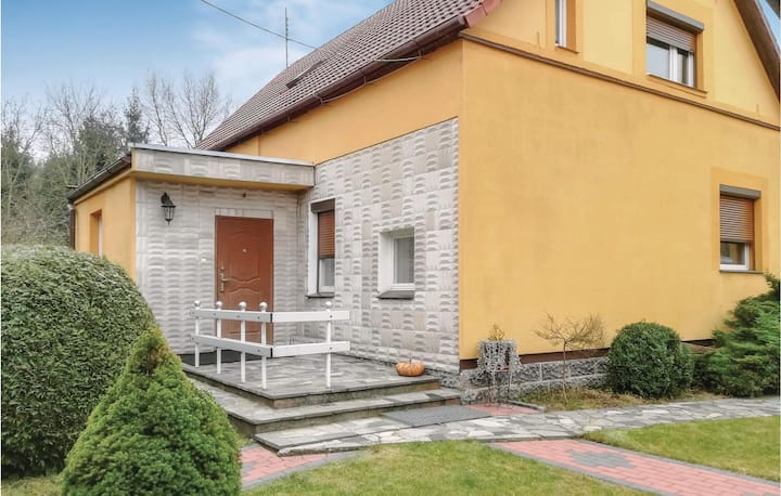 Beautiful home in Strzelce Krajenskie with WiFi and 2 Bedrooms