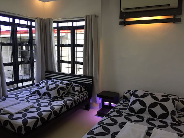 3-4 PAX PRIVATE ROOM - - - The PETHOUSE