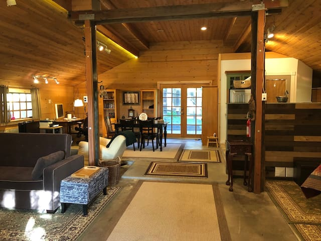 The Lodge at Tangled Oaks