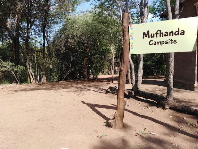 Nthakeni Bush and River Camp Mufhanda camp stand