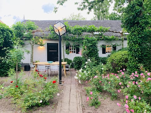 Private cottage with private garden, lots of space and quiet