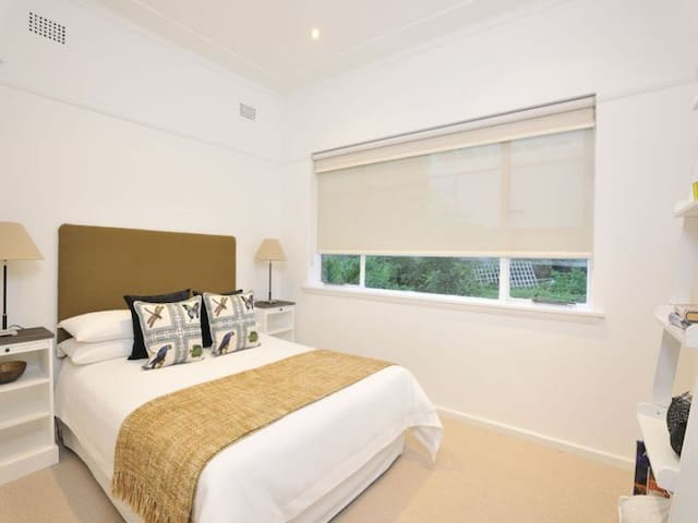 Private room in KIRRIBILI - Kirribilli - Appartamento