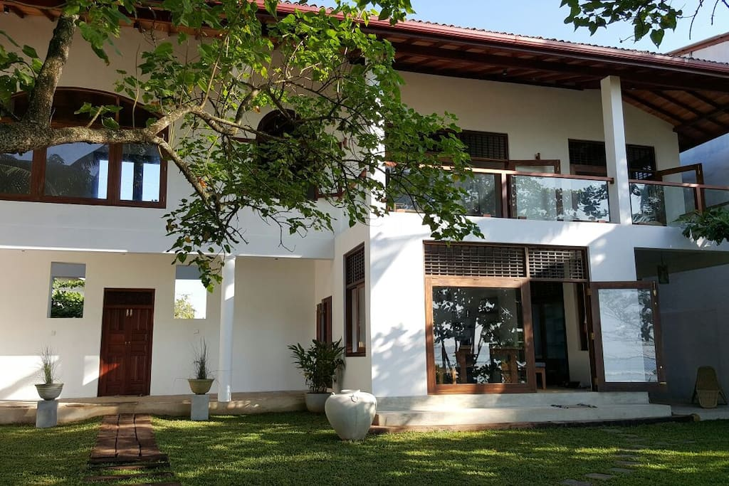 Four Bedrooms +Four Bathrooms - Weligama Bay
