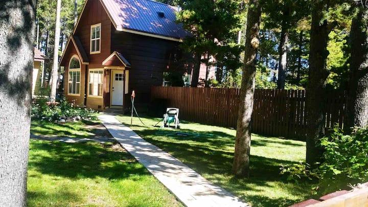 East Glacier Park Whispering Pine Cabin rental.