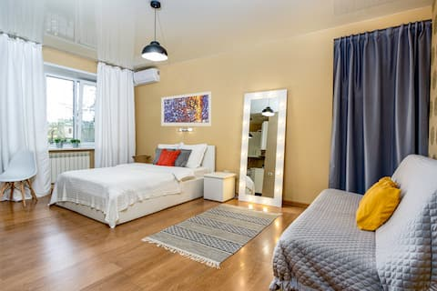 Snow White studio apartment in the centre