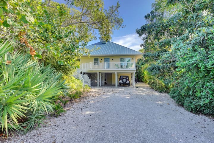 Dream Home with incredible outdoor space!  Walk to beach & restaurants!