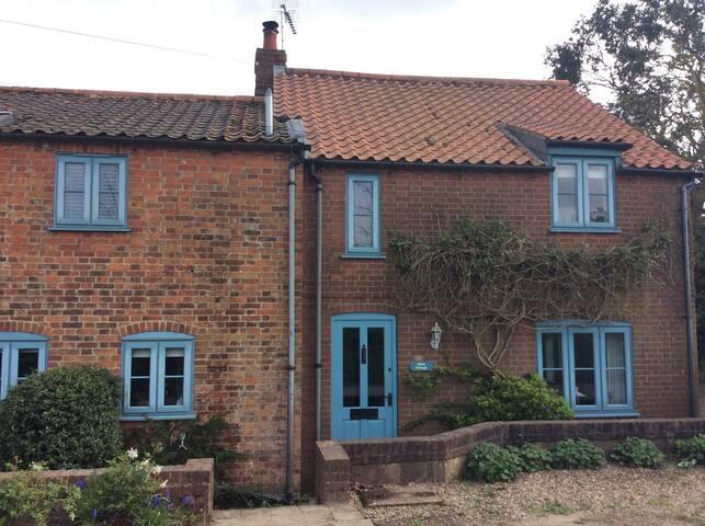 Peaceful, idyllic country cottage