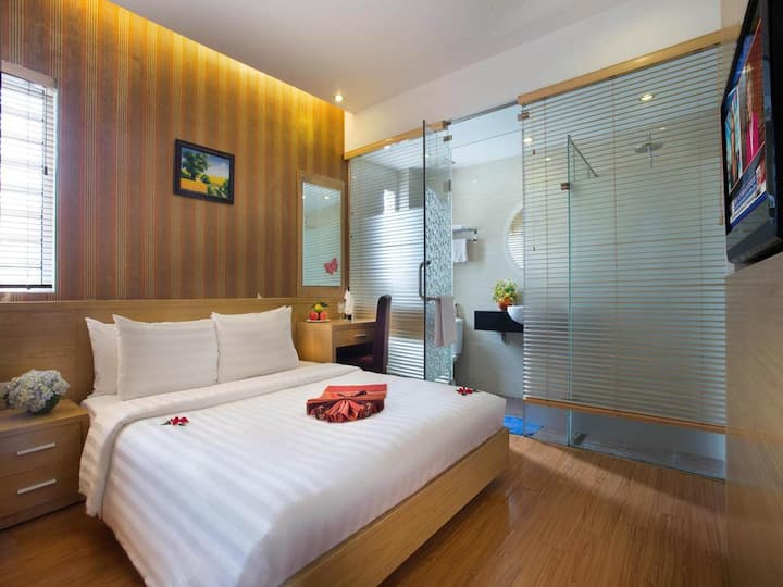 3 Hotel Guestrooms for a group/family-6pax