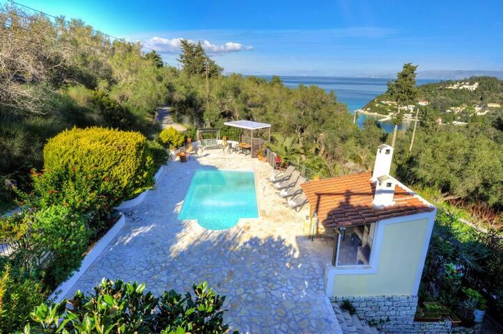 Villa Yotta in Lakka Paxos with good views..