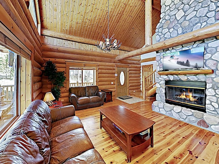 Charming Cabin in the Woods — Near Hiking & Lakes