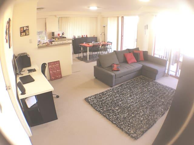 Bright big and comfy room Sydney near beaches