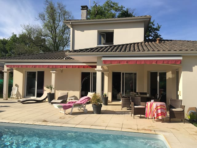 Maison à 15 mins de Bordeaux & St Émilion - Sadirac - Ev