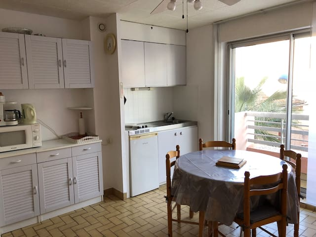 Nice appartement close to port and beach