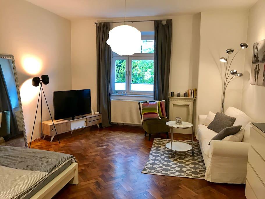 gem tliche m blierte 1 zi whng muc wohnungen zur miete. Black Bedroom Furniture Sets. Home Design Ideas