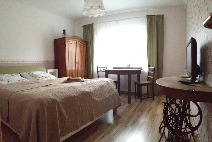 Double Room with bathroom/separate entrance - Neuruppin - House