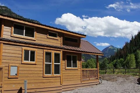 Deluxe Riverfront Cabin #1