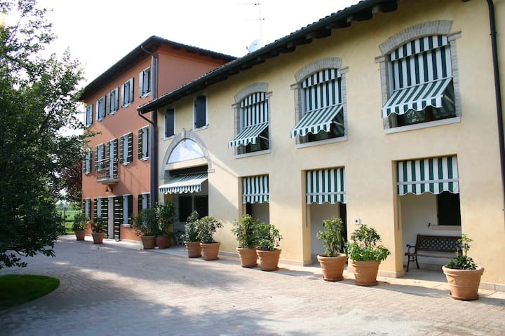 RELAIS CA' SERENA - Three-room apartment