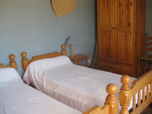 Chambre à 3 lits de 90 dont un lit tiroir
