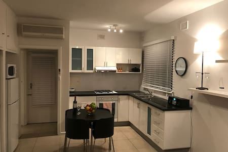 Renovated Unley private apartment - Unley - 아파트