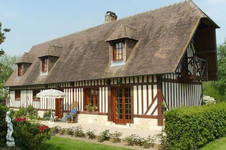 Havre de paix à la campagne dans maison normande - Fourneville - Gjestehus