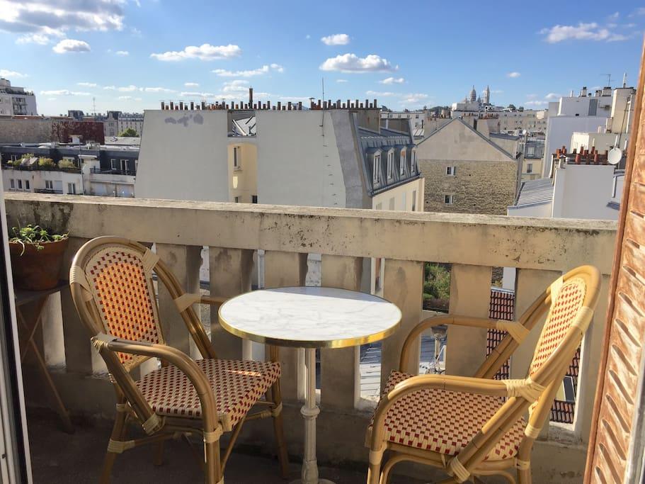 Balcon avec vue sur le Sacré-Coeur