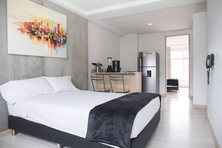 ★BEST LOCATION★ Apartment in LAURELES