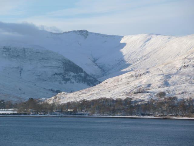 Winter view of Glean Chreagan