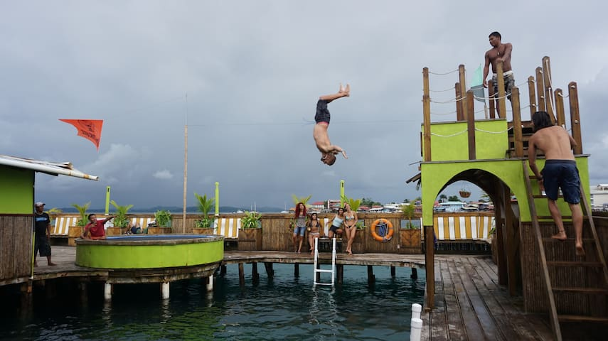 Aqua Lounge Hostel & Bar, Bocas del Toro