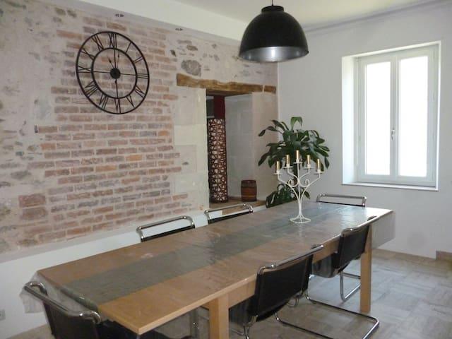 Maison de bourg familiale - Mozé-sur-Louet - Casa