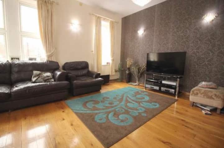 4 bedroomSpacious flat