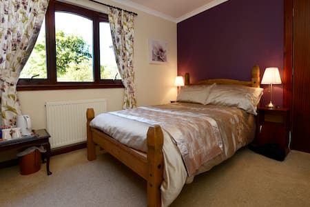 Woodland House, Fort William - Bed & Breakfast