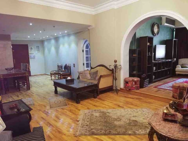 Luxurious fully furnished 3 bedroom appt in Maadi