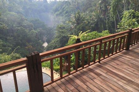 Rumah Clara river view villa w pool - Bali, ID - House