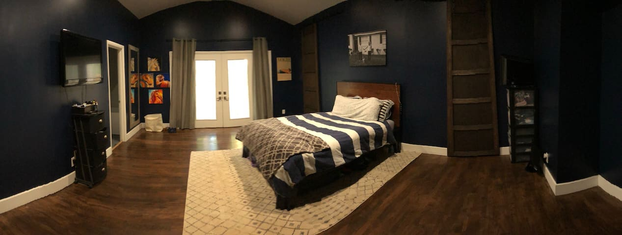 Renovated & Cozy Master Bedroom Close To Marta