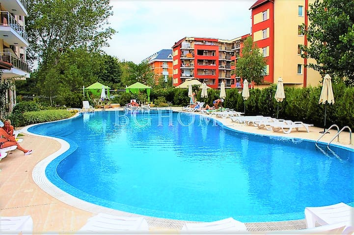 Spacious studo in Sunny Beach for up to 4 guests - Sunny Beach - Apartemen