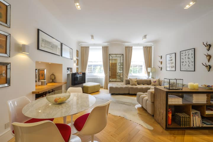 Stunning Large 1 Bedroom Apartment in Park Circus