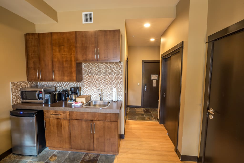 Take advantage of the functional kitchenette at your disposal